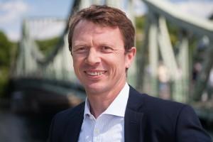 Guido Neumann ist für vertriebliche Fragen und Persönlichkeitsentwicklung zuständig. Trainer für Vertrieb und Teamentwicklung.